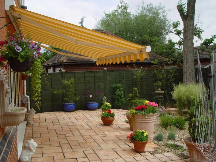 zodiac-blinds-external-awning-cornwall-image-2